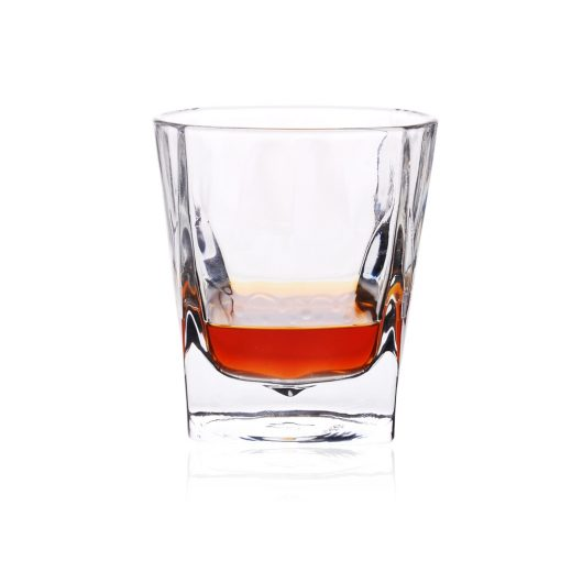 כוס ויסקי ג'יימס