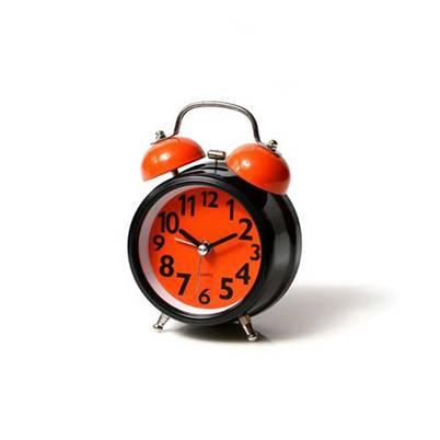 שעון מעורר מתכתי